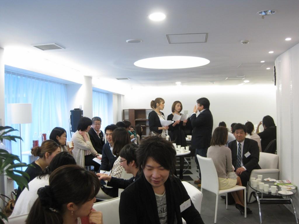 4/21 六本木ナイトパーティーを開催しました。 なんと場所は医療クリニック1Fロビー!                                         【30代・40代の上質な結婚は東京の結婚相談所インフィニ 青山結婚予備校へ】